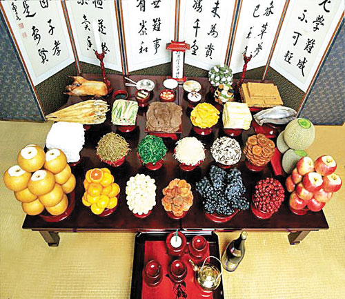 An elaborate ceremonial table called Jessasang (Photo taken from ChosunIlbo)