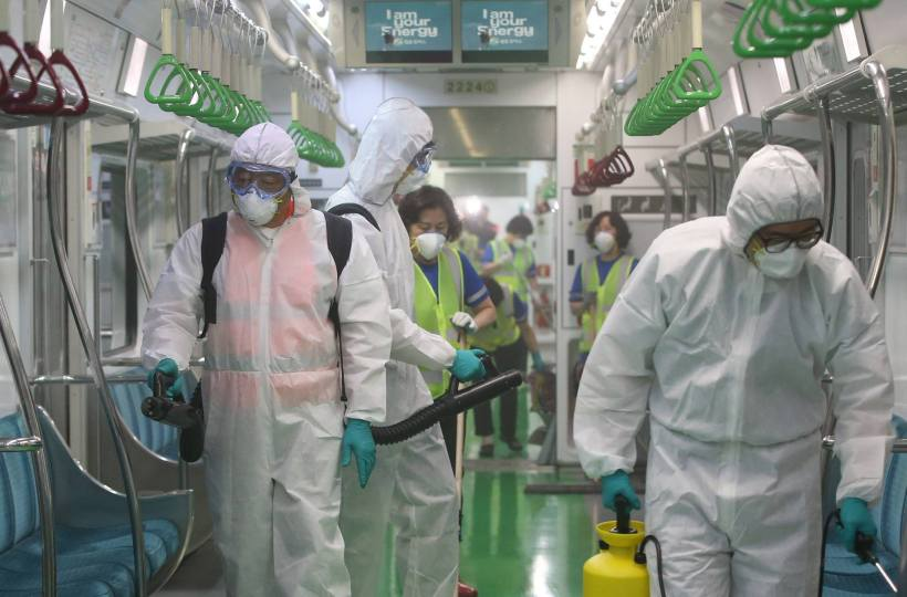 Workers disinfect a subway train in Seoul as MERS outbreak continues (Source: Seoul Community Page)